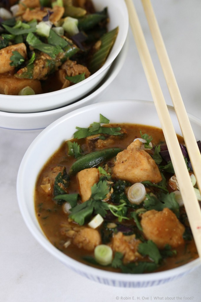 Light Chicken Peanut Curry