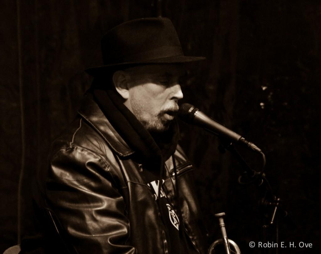 nola-street-musician-sepia-3448