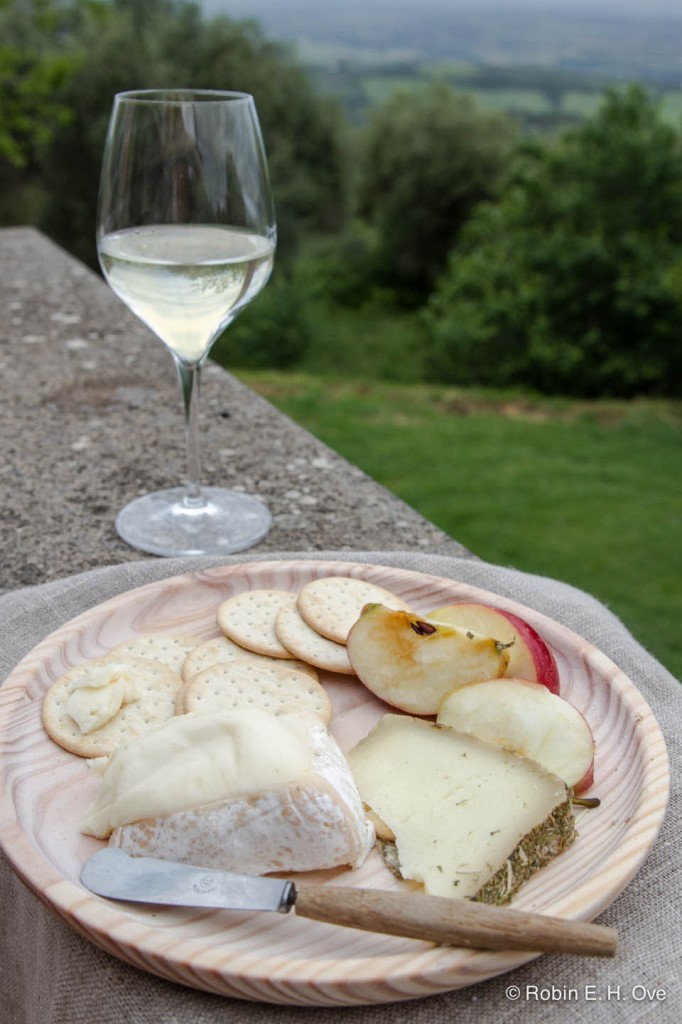 wine and cheese in Tuscany