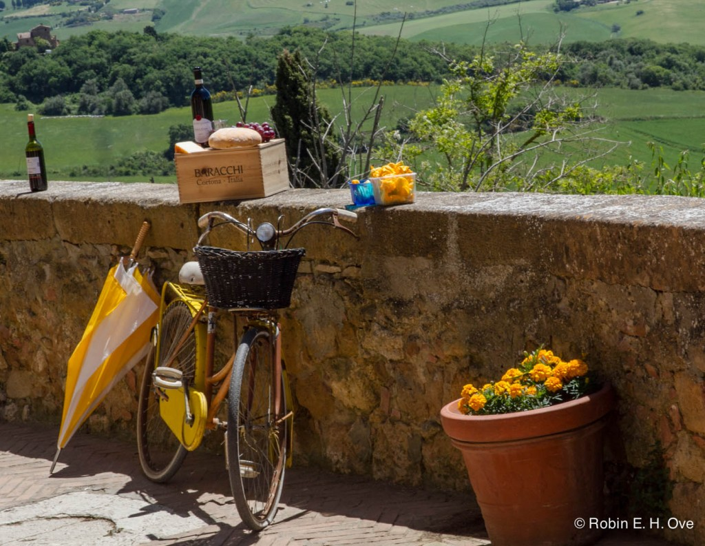 bicycle, wine, Tuscan Hills